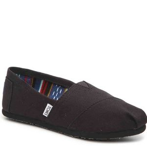 TOMS  Black Alpargata Slip-On size 9.5